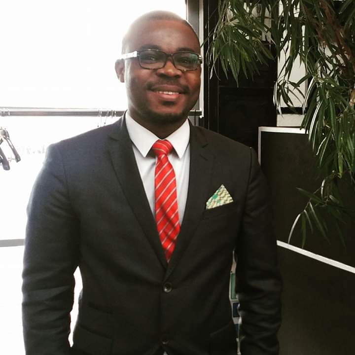 Dr Amaniampong